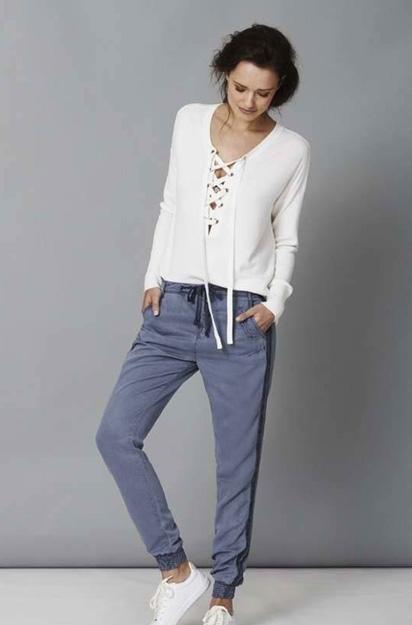 Broek in Style Blue verkooppunt Aaiko Senses.Style